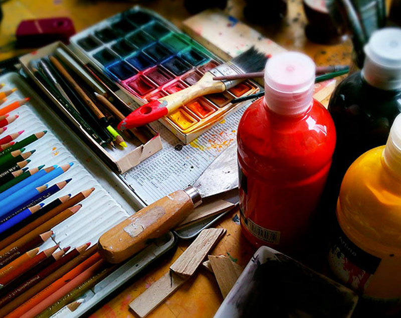 Couleurs peinture artiste crayons